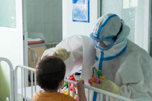 У львівському «Охматдиті» розгорнули додаткові ліжка для дітей з коронавірусом