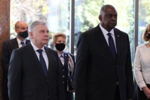 タラン・ウクライナ国防相、オースティン米国防長官と会談