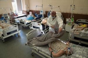 Львівські лікарі закликають ввести жорсткий локдаун
