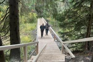У нацпарку «Синевир» для туристів облаштували 40-метрові мости на екостежці