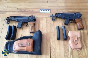 Трьом торгівцям контрабандною зброєю дали по 12 років тюрми
