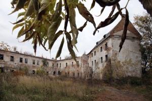 Фотоподорож: Клеванський замок та церква зі снарядами на Рівненщині