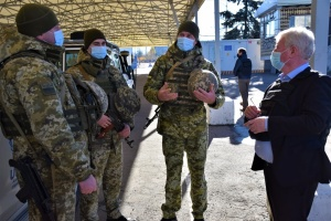 Спецпредставитель ЕС Гилмор посетил зону ООС