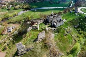 У Тернополі демонструють старовинні зображення замку у Скалі-Подільській