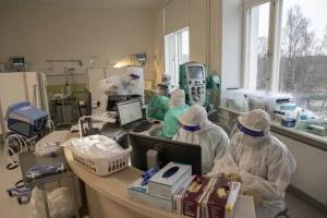 Естонія через пандемію призупиняє планові операції