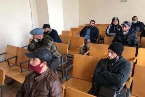 Біля «суду» в окупованому Сімферополі затримали 21 кримського татарина