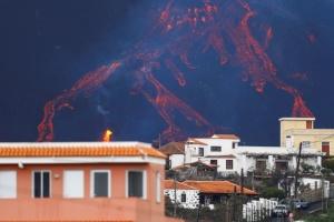 На острові Ла-Пальма посилилося виверження вулкана
