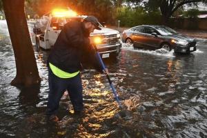 Західне узбережжя США накрив шторм, є загиблі
