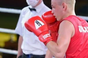 Двоє українських боксерів достроково завершили виступ на чемпіонаті світу в Сербії