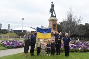 Ювілейний прапор СУМ попрямував з Австралії до Аргентини