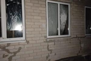 Оккупанты обстреляли из артиллерии Трехизбенку, повреждены пять домов