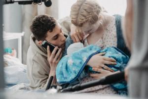 Дебютний фільм Анастасії Бабенко «Пелюшковий торт» покажуть онлайн