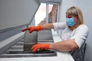 На Вінниччині для обласного центру служби крові придбали сучасний заморожувач плазми
