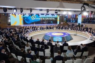 Dzhaparova trata con la embajadora británica otros pasos en el marco de la Plataforma de Crimea