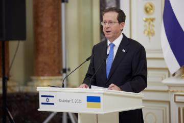 Herzog invites Zelensky to visit Israel