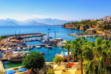 More than 1.1M tourists from Ukraine visited Antalya this year