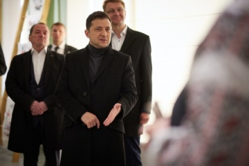 Zelensky says all major roads in Cherkasy region should be repaired in several years