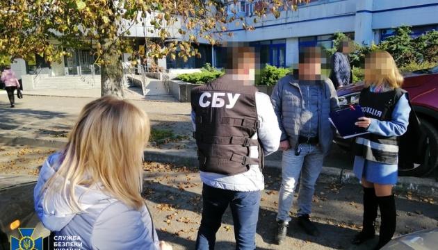Служба безпеки заблокувала схему фальсифікації COVID-тестів та сертифікатів