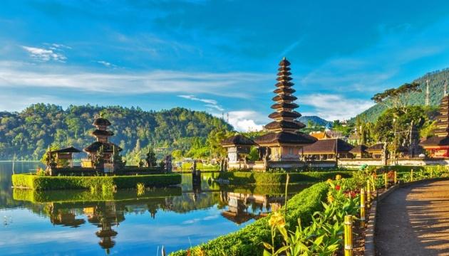 Балі відкривають для деяких міжнародних рейсів