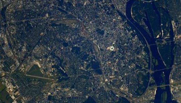 Астронавт ESA зняв з космосу осінній Київ