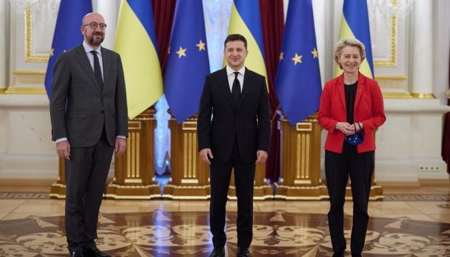 ゼレンシキー大統領、ウクライナEU首脳共同声明採択にコメント