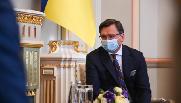 Кулеба закликав ЄС застосувати новий механізм санкцій проти окупантів у Криму