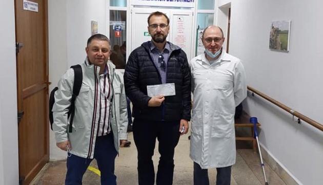 Канадський банк передав допомогу пораненому на Донбасі українському військовому