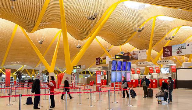 Іспанія пускатиме в термінали аеропортів тих, хто проводжає та зустрічає пасажирів