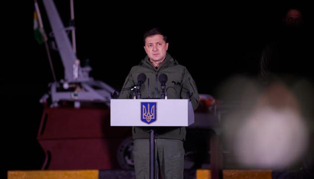 Українці ніколи не забудуть тих, хто загинув, захищаючи нашу державу – Зеленський